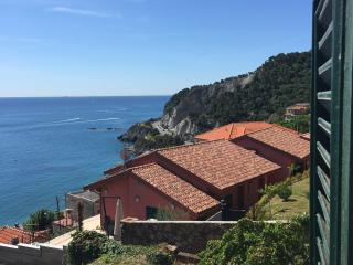 3 bedroom House with Water Views in Bergeggi - Bergeggi vacation rentals