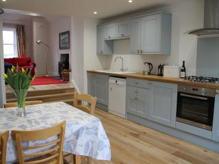 Beautifully renovated cottage in the heart of Elie - Elie vacation rentals