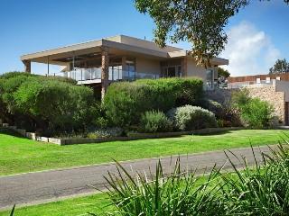 Beautiful 3 bedroom Cape Schanck House with Dishwasher - Cape Schanck vacation rentals