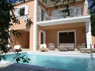 Nice House with Balcony and Linens Provided in Finikounda - Finikounda vacation rentals