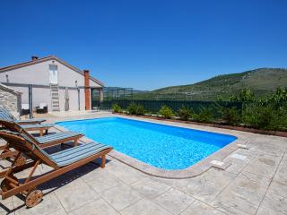 2 bedroom Villa with Internet Access in Prgomet - Prgomet vacation rentals