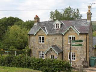 Manor Farm Cottage  - Child Friendly Luxury Home - Wroxall vacation rentals