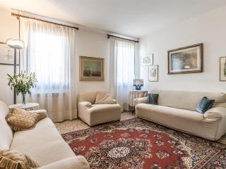 Bright 1 bedroom House in Venice - Venice vacation rentals