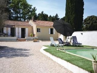 Charming House with Internet Access and Dishwasher - Vacqueyras vacation rentals