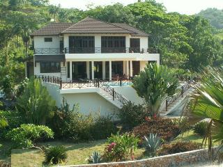 Villa Bahia Rincon Samana, nice  BeachFront Villa - Las Galeras vacation rentals