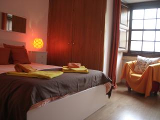 Charming Apartment in Alfama, Lisbon - Lisbon vacation rentals