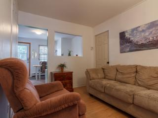 Cozy 3BR in Downtown Montreal - Montreal vacation rentals