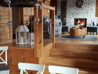 Bright 3 bedroom Mrkopalj House with Internet Access - Mrkopalj vacation rentals
