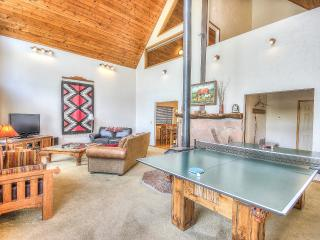 Nakai Chalet Great Location-Now open June 12-17th - Flagstaff vacation rentals