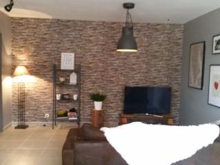 2 bedroom House with Satellite Or Cable TV in Salles d'Aude - Salles d'Aude vacation rentals
