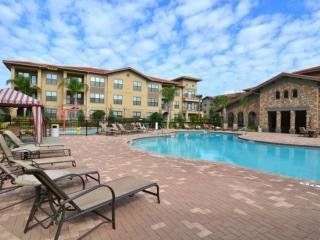 Fantastic 3 bed 3 bath condo on a great resort - Davenport vacation rentals