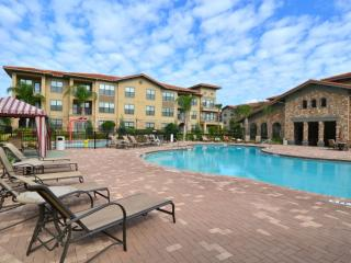 Fantastic 2 bed 2 bath condo on beautiful resort - Davenport vacation rentals