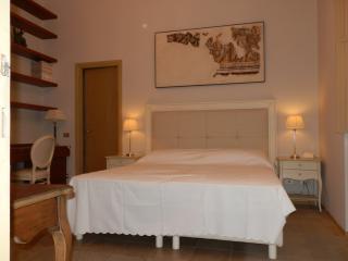 Appartamento dall'Abaco per 2 persone in centro - Verona vacation rentals