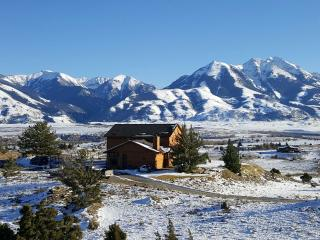 Epic 4-Bedroom House and Views In Paradise Valley - Emigrant vacation rentals