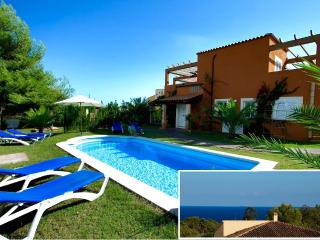 SPACIOUS VILLA. SEAVIEWS, POOL,CLIMATE,WIFI,BBQ(M) - Calas de Majorca vacation rentals