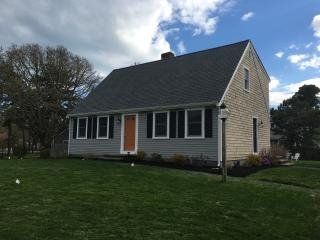Cape escape! Only 4/10 of a mile to the beach! - West Harwich vacation rentals