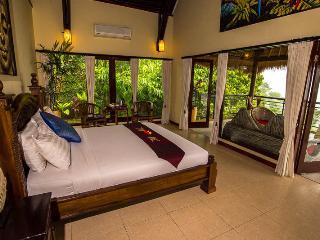 LAST MINUTE B&B DEAL - West Deluxe Room - Payangan vacation rentals