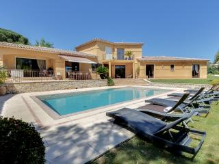 Large villa with a pool by the beach - Grimaud vacation rentals
