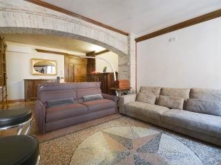 Charming Condo with Internet Access and A/C - Bologna vacation rentals