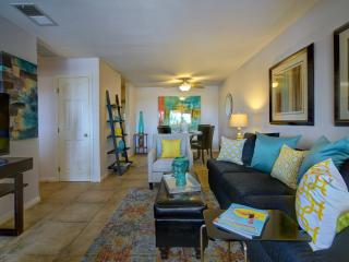 Beautiful QUIET Condo close to Downtown - Palm Springs vacation rentals