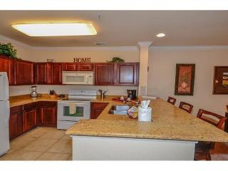 Luxurious 2 Bed 2 Bath Condo Near Disney & More! - Davenport vacation rentals