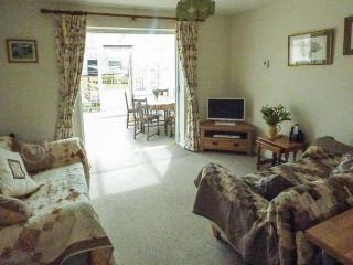 THE GRANARY, WiFi, detached, pet-friendly, enclosed garden, near Shepton Mallet, Ref. 920419 - Shepton Mallet vacation rentals