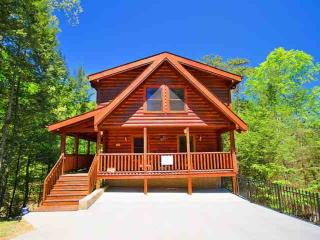 Amenities!  Family Retreat -Game Room- Hot Tub- 1 Mile to Parkway! - Pigeon Forge vacation rentals