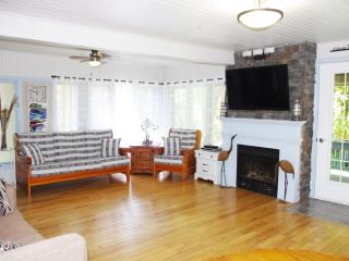 Driftwood Cottage, 3 Bed, Port Albert, Lake Huron - Port Albert vacation rentals