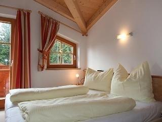 Sunny 4 bedroom House in Almdorf Konigsleiten - Almdorf Konigsleiten vacation rentals
