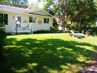 2 bedroom House with Internet Access in Naramata - Naramata vacation rentals