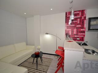BRENDA - 1 Bed Executive Apartment with washer / dryer - Unicentro - Bogota vacation rentals