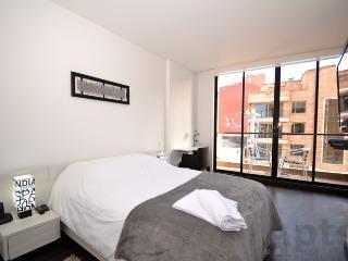 DANIELA - Apartaestudio Estilo Loft de 1 Habitacion con balcon y gimnasio (Santa Barbara) - Bogota vacation rentals