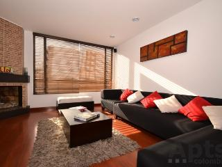 IRIS - 2 Bed Renovated Apartment with modern design, space & chimney (Parque 93) - Bogota vacation rentals