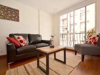 KIARA - 2 Bed Renovated Apartment with wood floors - Chapinero Alto - Bogota vacation rentals