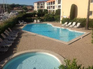 Nice Condo with Internet Access and Balcony - Port Cogolin vacation rentals