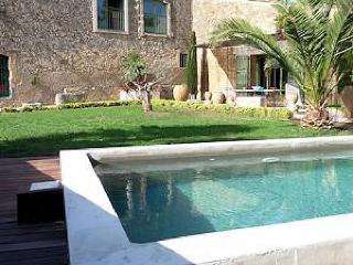 Charming 3 bedroom Nezignan l'Eveque Villa with Internet Access - Nezignan l'Eveque vacation rentals