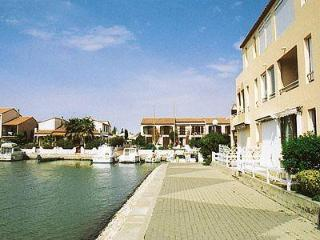 Convenient 2 bedroom Condo in Saint-Cyprien - Saint-Cyprien vacation rentals