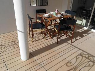 Lovely 2 bedroom Condo in Marseillan with Internet Access - Marseillan vacation rentals