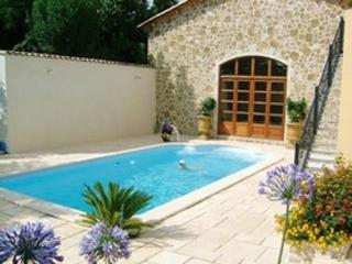 Comfortable Villa with Internet Access and Balcony - St Genies de Fontedit vacation rentals