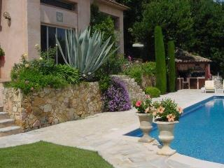 Nice Villa with Internet Access and Balcony - Saint-Paul vacation rentals