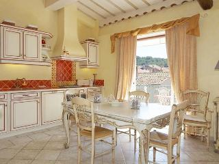 Nice Condo with Internet Access and Balcony - Saint-Tropez vacation rentals