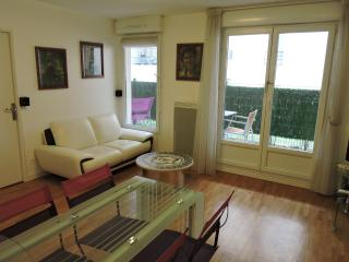 Au calme direct Paris centre 80m. de metro - Les Lilas vacation rentals