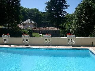 Lovely Condo with Internet Access and Shared Outdoor Pool - Fontiers-Cabardes vacation rentals