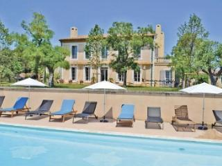 Lovely Villa with Balcony and Private Outdoor Pool - Cers vacation rentals