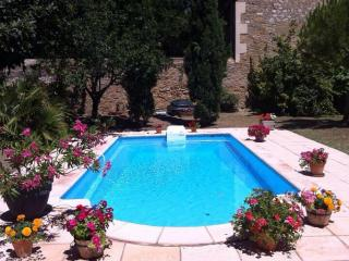 Charming Villa with Internet Access and Balcony - Servian vacation rentals