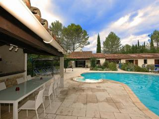 Nice 5 bedroom Fayence Villa with Internet Access - Fayence vacation rentals