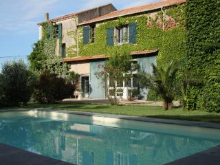 Lovely Villa in Capestang with Internet Access, sleeps 12 - Capestang vacation rentals