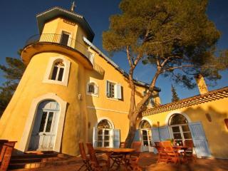 Sunny Autignac Studio rental with Balcony - Autignac vacation rentals