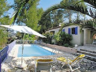 Lovely Villa with Private Outdoor Pool and Parking - Sollies-Toucas vacation rentals