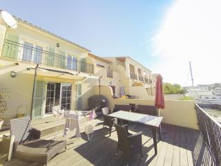 Bright 3 bedroom Villa in Aigues-Mortes with Internet Access - Aigues-Mortes vacation rentals